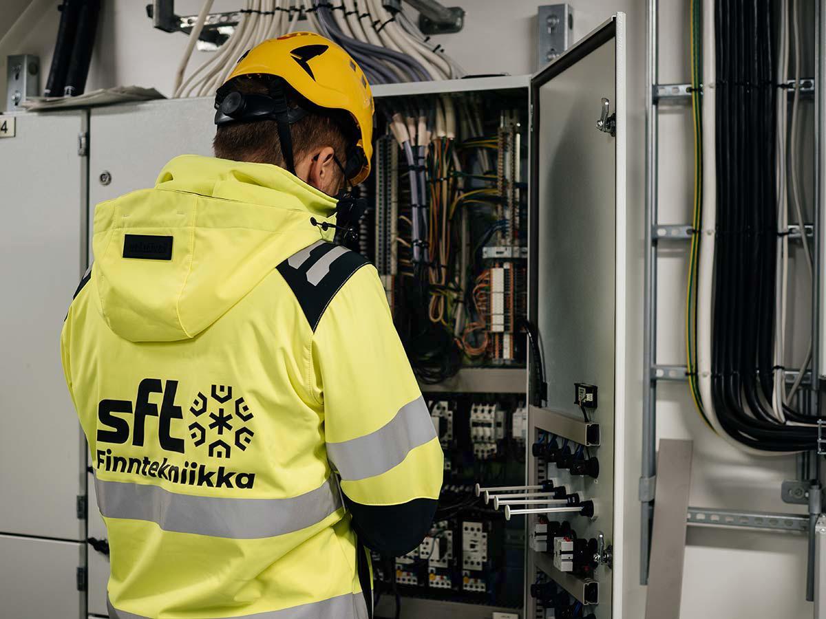 Ilmastoinnin jäähdytysten urakoinnit - Teollisuus ja prosessit - Palvelu - SFT finntekniikka Oy